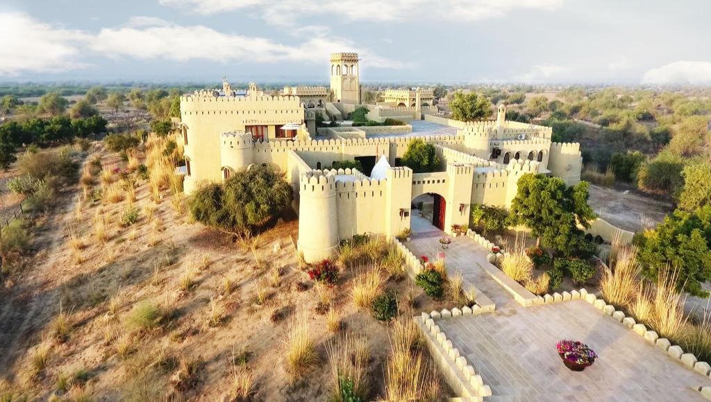 More about Mihir Garh