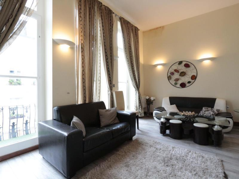 Apartament moblat de 2 habitacions (Furnished 2-Bedroom Apartment)