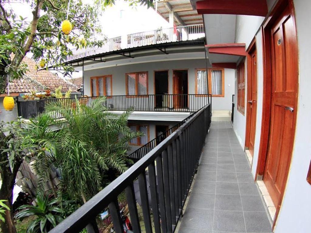 Hasanah Guest House Buring Malang Booking Deals Photos Reviews