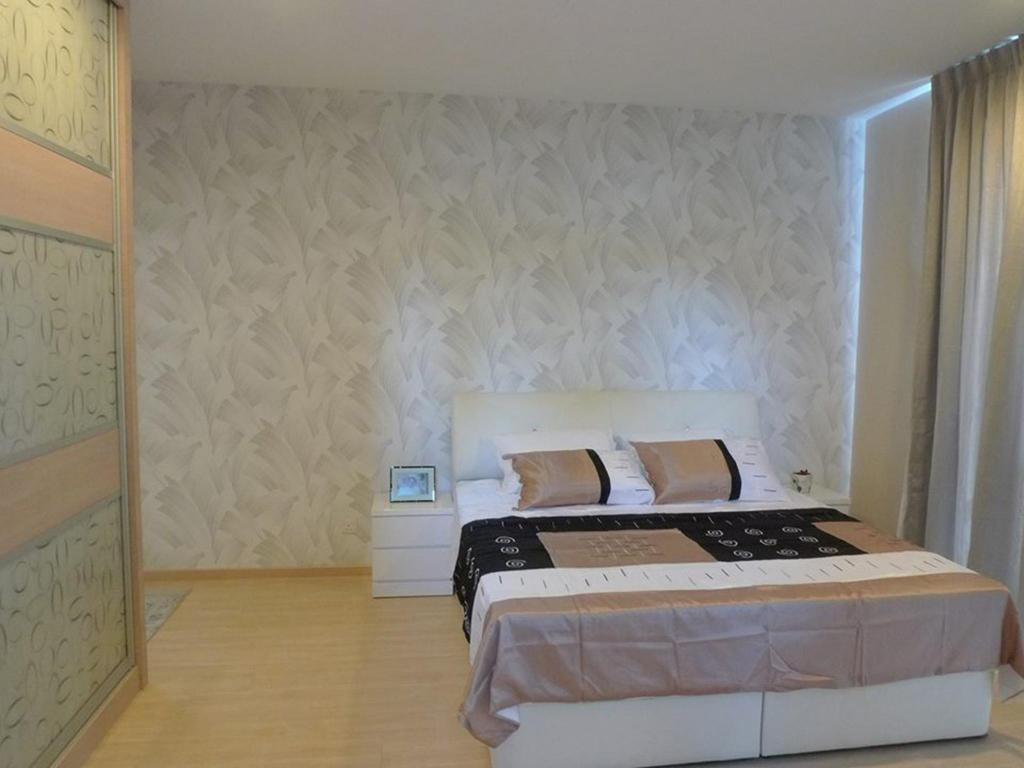 3 Bedroom Apartment (6 Adults) - Bed Eco Park Serviced Apartments