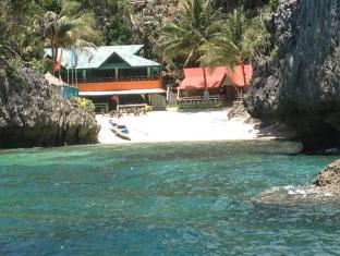 Paksi Cove Resort