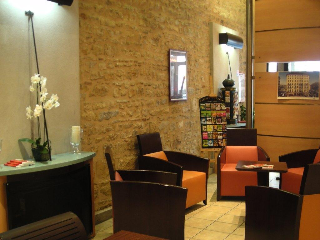 לובי Inter-Hotel Au Patio Morand