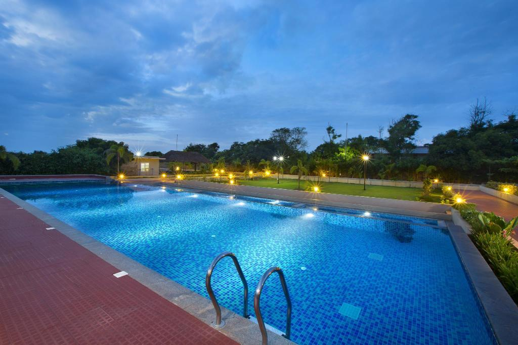 Landmark pallavaa beach resort mahabalipuram chennai india photos room rates promotions for Beach resort in chennai with swimming pool