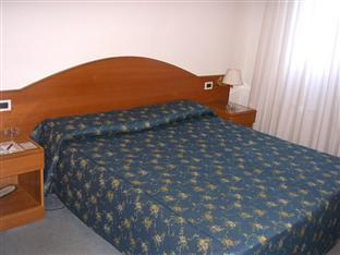 Doppia con Letto Extra (Double with Extra Bed)