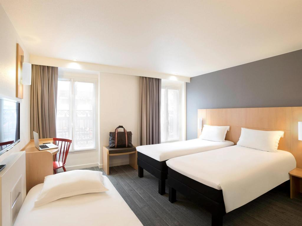 Ibis paris gare du nord tgv in france room deals photos for Decor hotel du nord