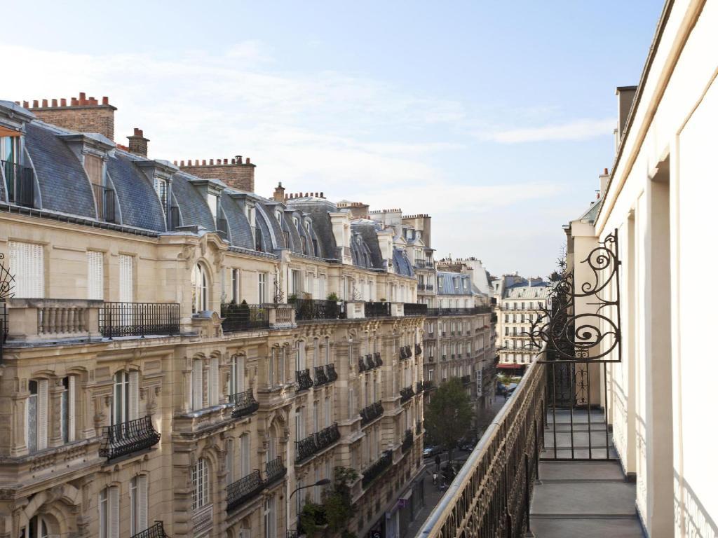 best western premier kapital opera in paris room deals photos reviews. Black Bedroom Furniture Sets. Home Design Ideas
