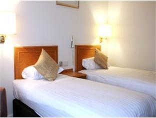Classic room 2 single beds