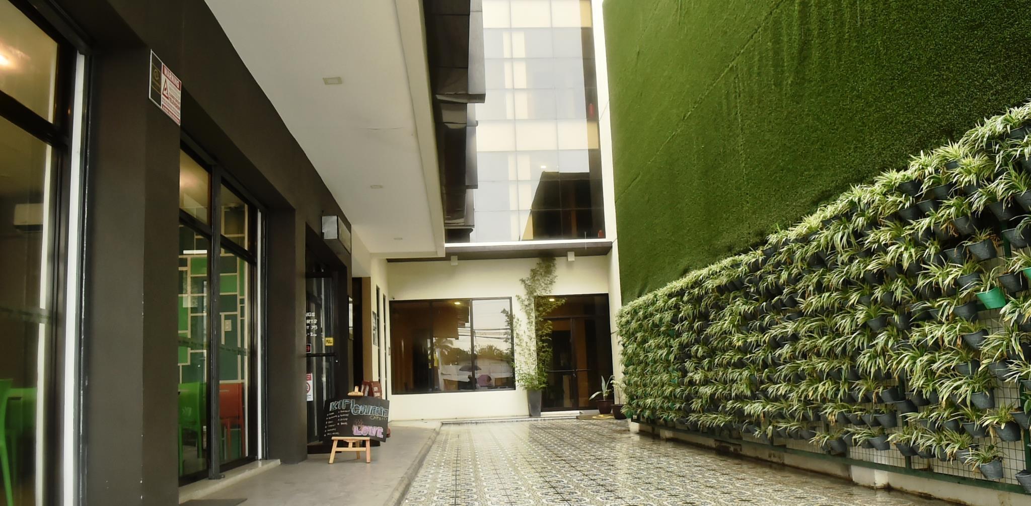 Columbus Plaza Hotel, General Santos - Booking Deals, Photos & Reviews