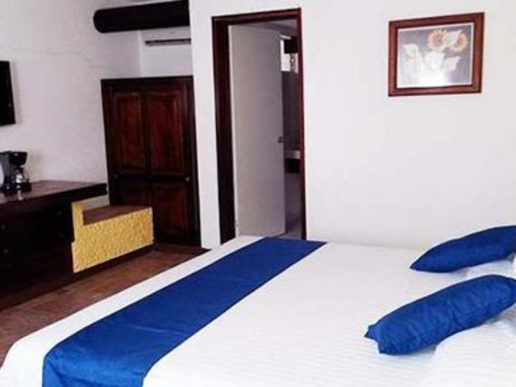 Standard 1 King bed Non Smoking - Cama Comfort Inn Palenque