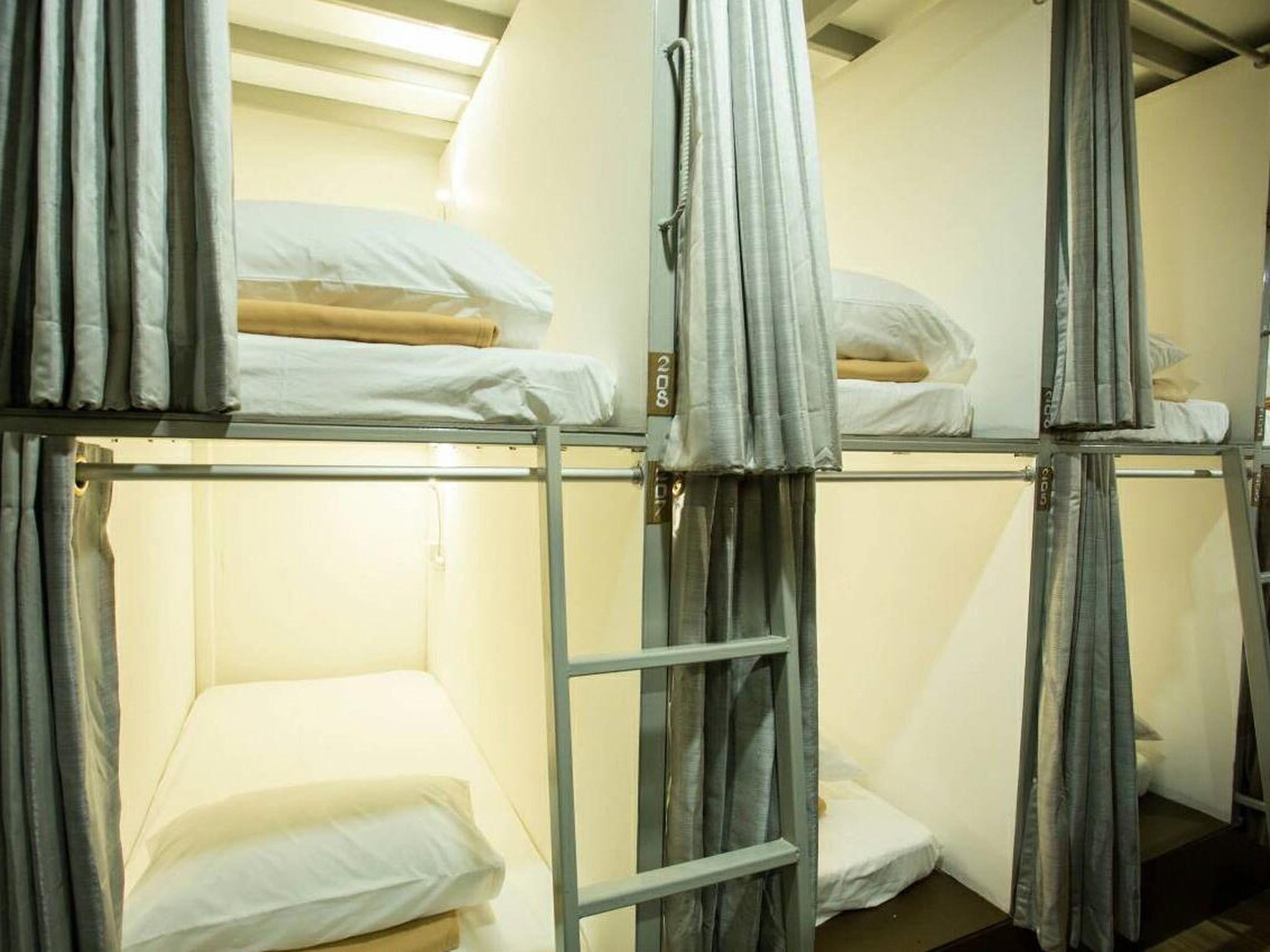 Female Dormitory Air Conditioning with Shared Bathroom