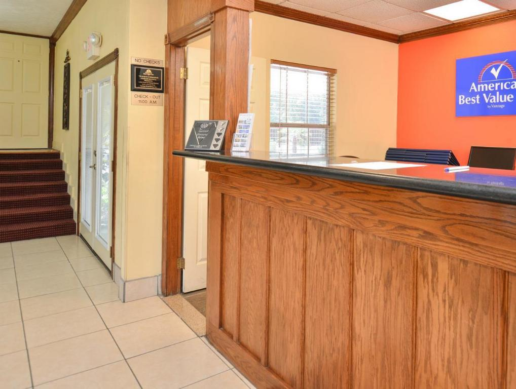 Лоби Americas Best Value Inn - Winnsboro, LA
