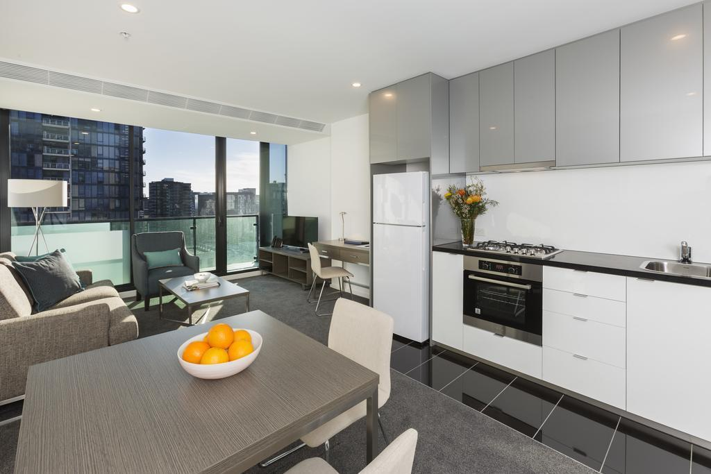 1 Bedroom Apartment - Kitchen Melbourne Short Stay Apartments - Power Street