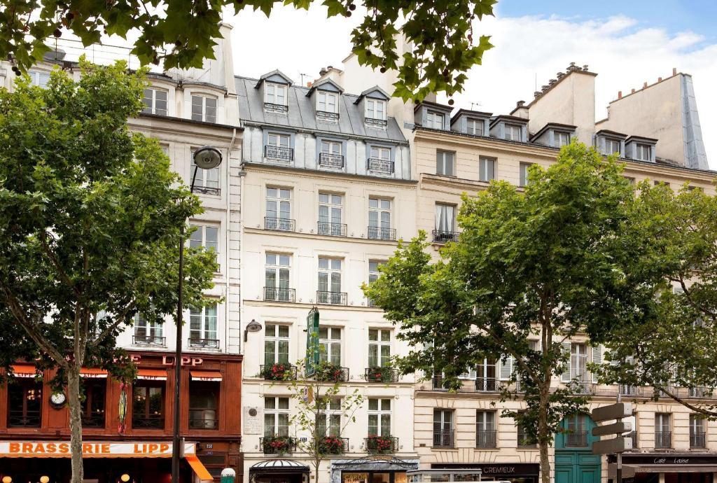 Au manoir Saint-Germain des Pres in Paris - Room Deals
