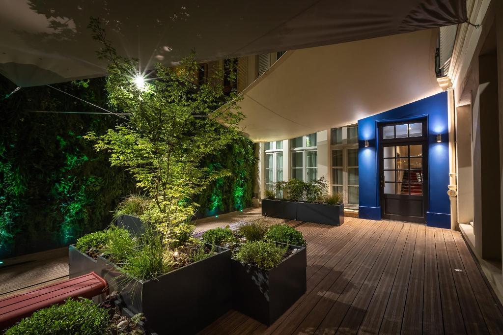 Le Prince Regent Residence Et Spa In Paris