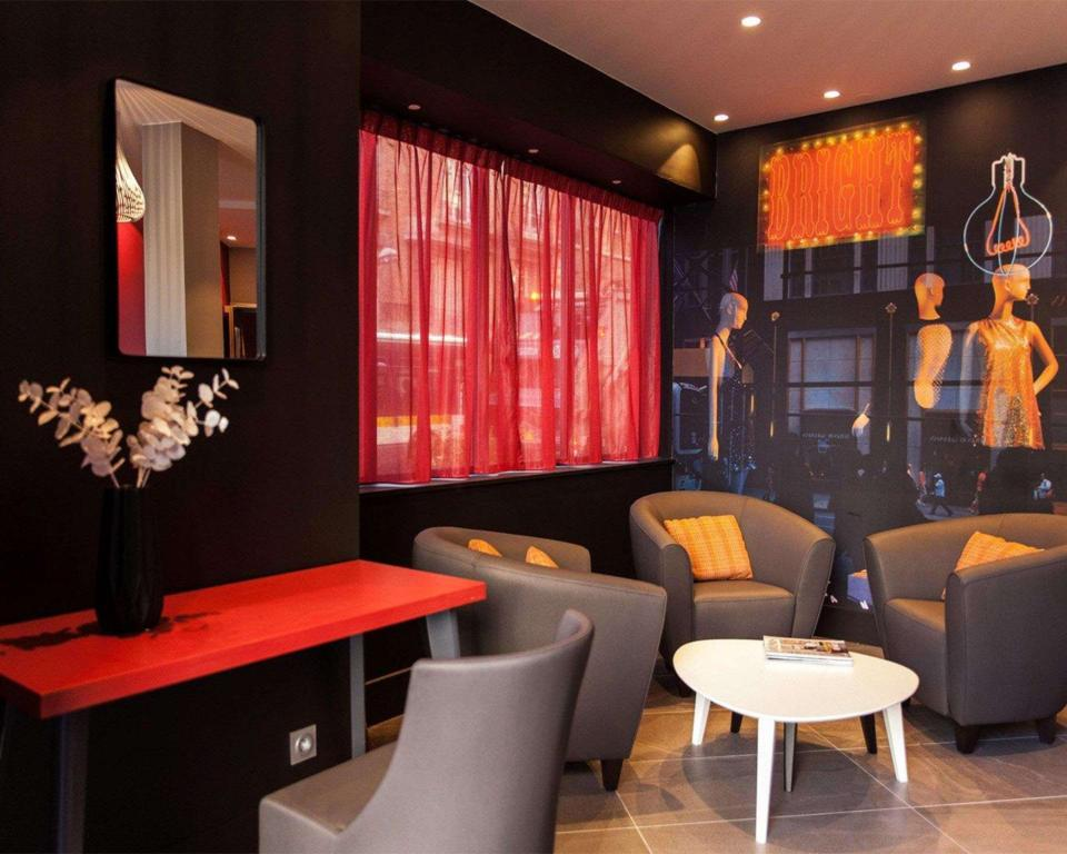 Comfort Hotel Sixteen Paris Montrouge In France