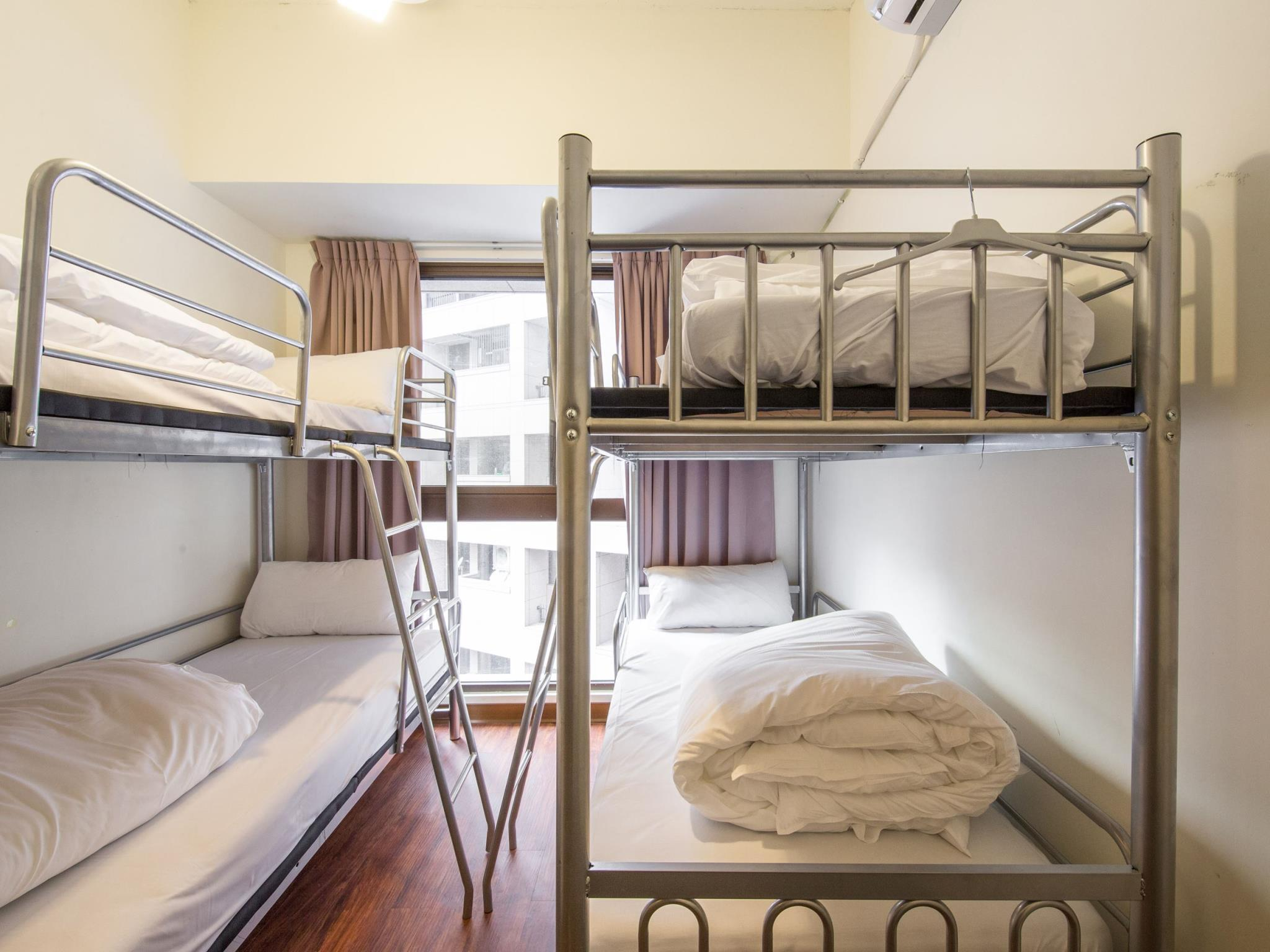 Bunk Room for 4 People