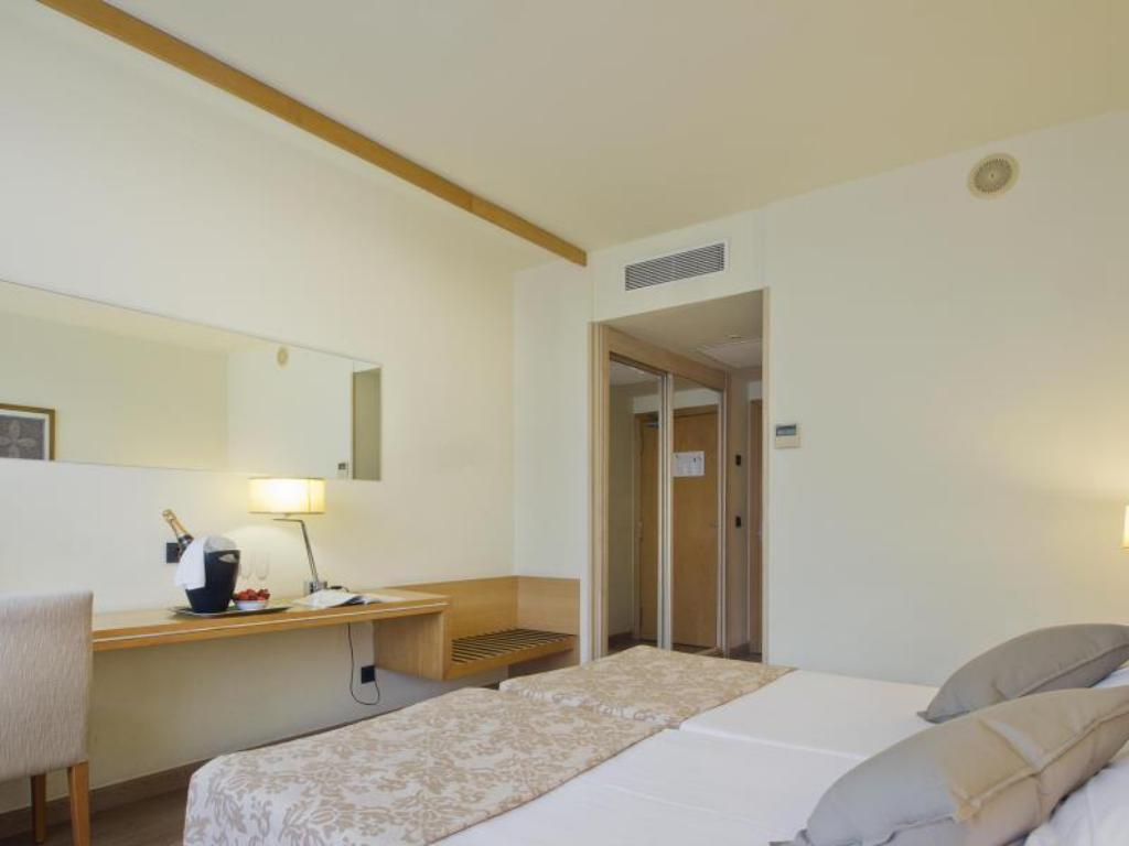 Double Room for Single Use with Sea View - Guestroom Eurohotel Diagonal Port
