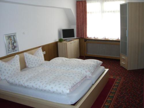 Hotel Garni Ratstube Bad Urach 2019 Reviews Pictures Deals