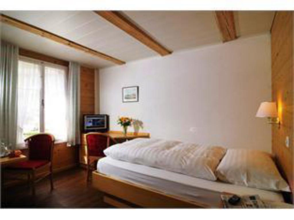 Single Room - Guestroom Hotel Chalet Swiss