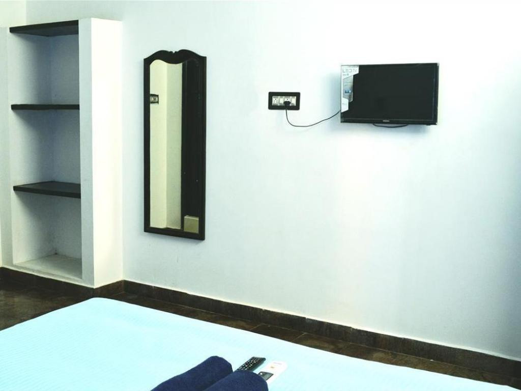 Deluxe Air Conditioning Room - Guestroom Vedanta Wake Up Auroville Beach