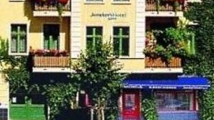 Junckers Apartments
