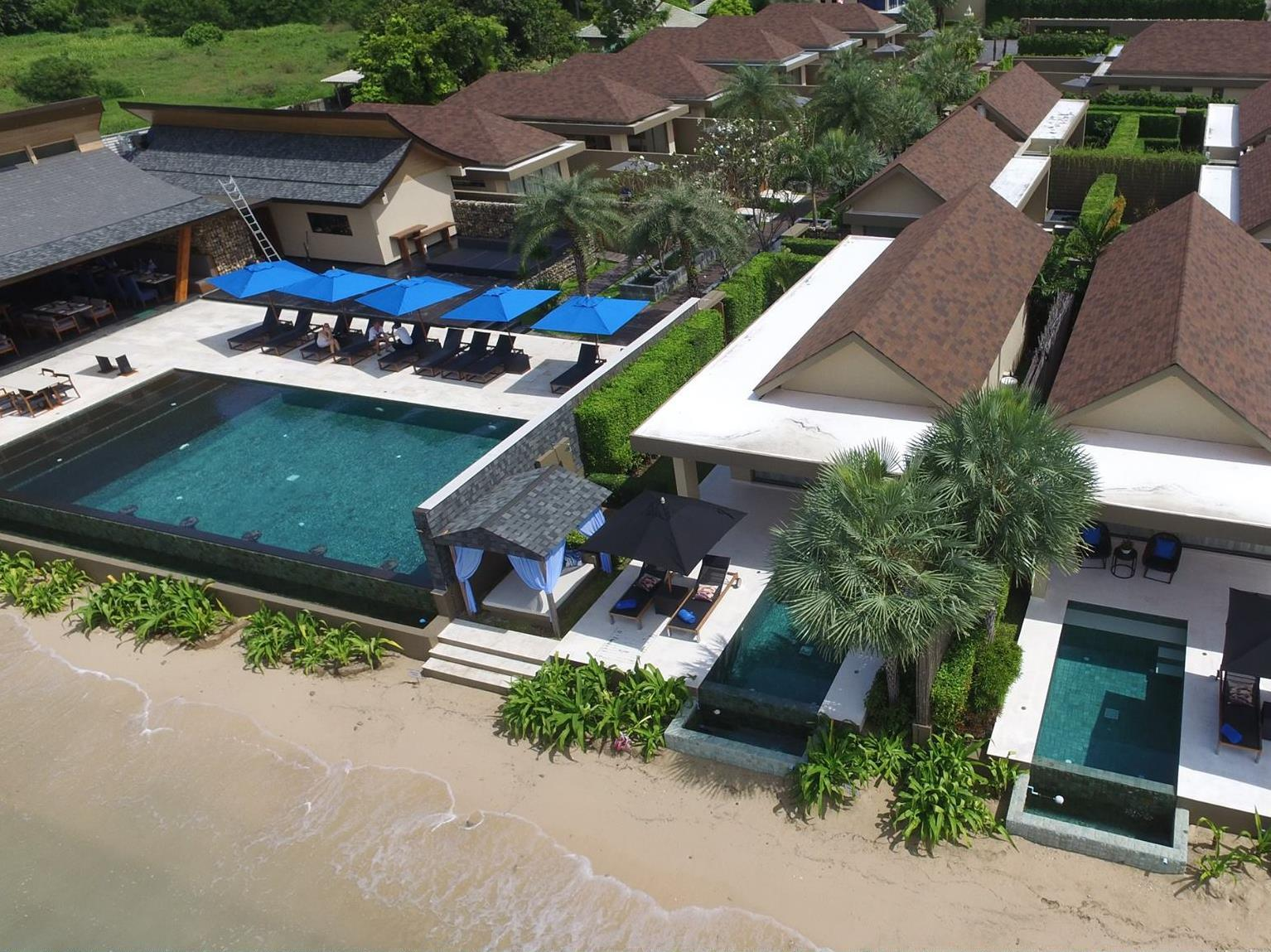 Villa with Beach Front with Beach View