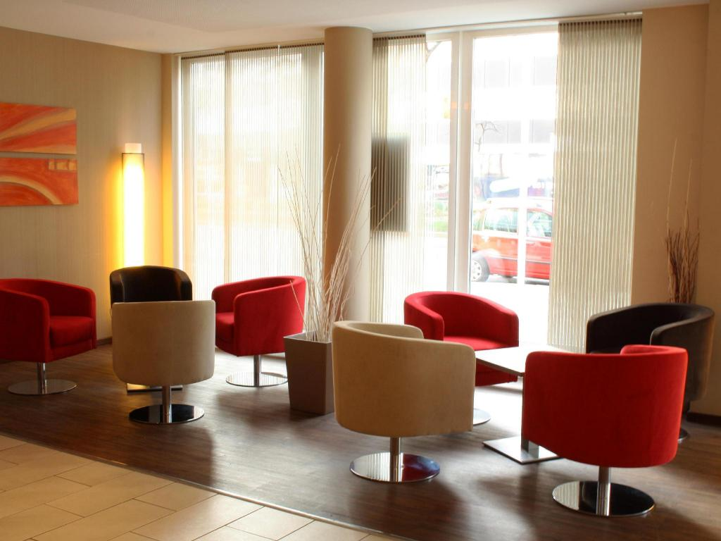 לובי Holiday Inn Express Berlin City Centre West