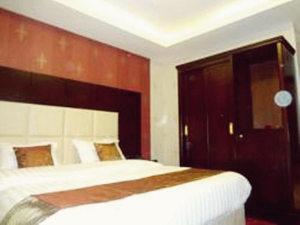 Double Room Danar Furnished Apartment 1