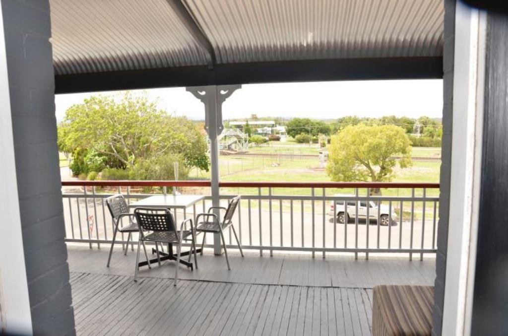 Balcony/terrace Royal Hotel Gatton