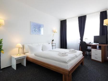 Single Room Hotel Berliner Baer