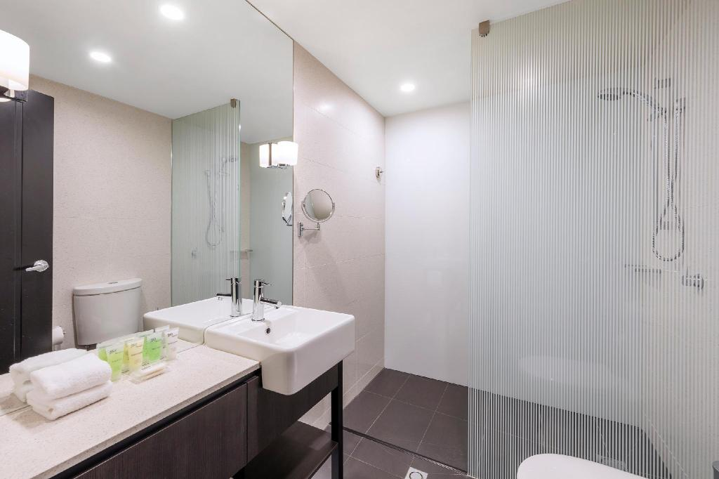 Hotel King Room RACV/RACT Hobart Apartment Hotel