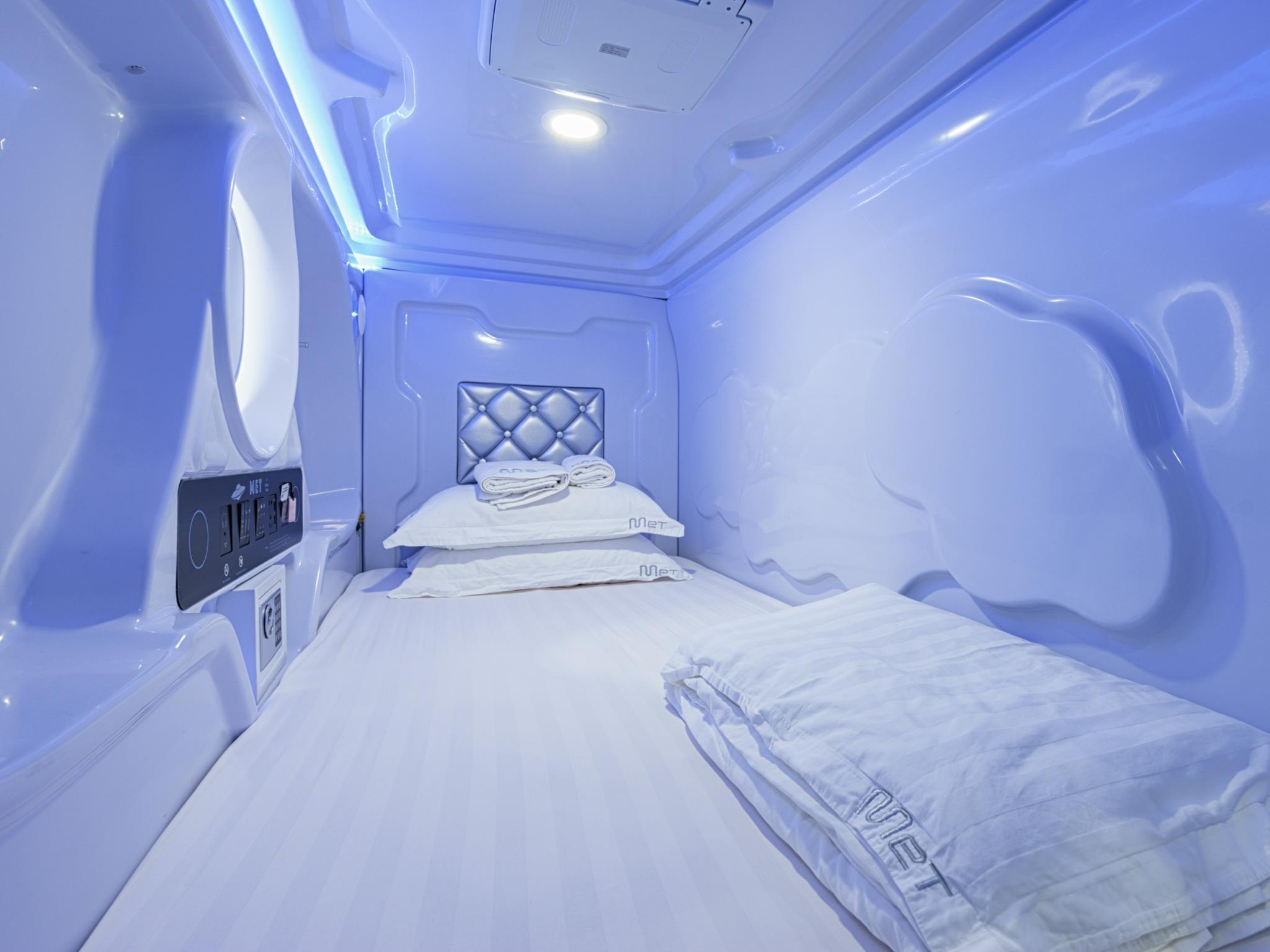 Space Pod Deluxe mit 2 Einzelbetten (Space Pod Deluxe with 2 Single Beds)
