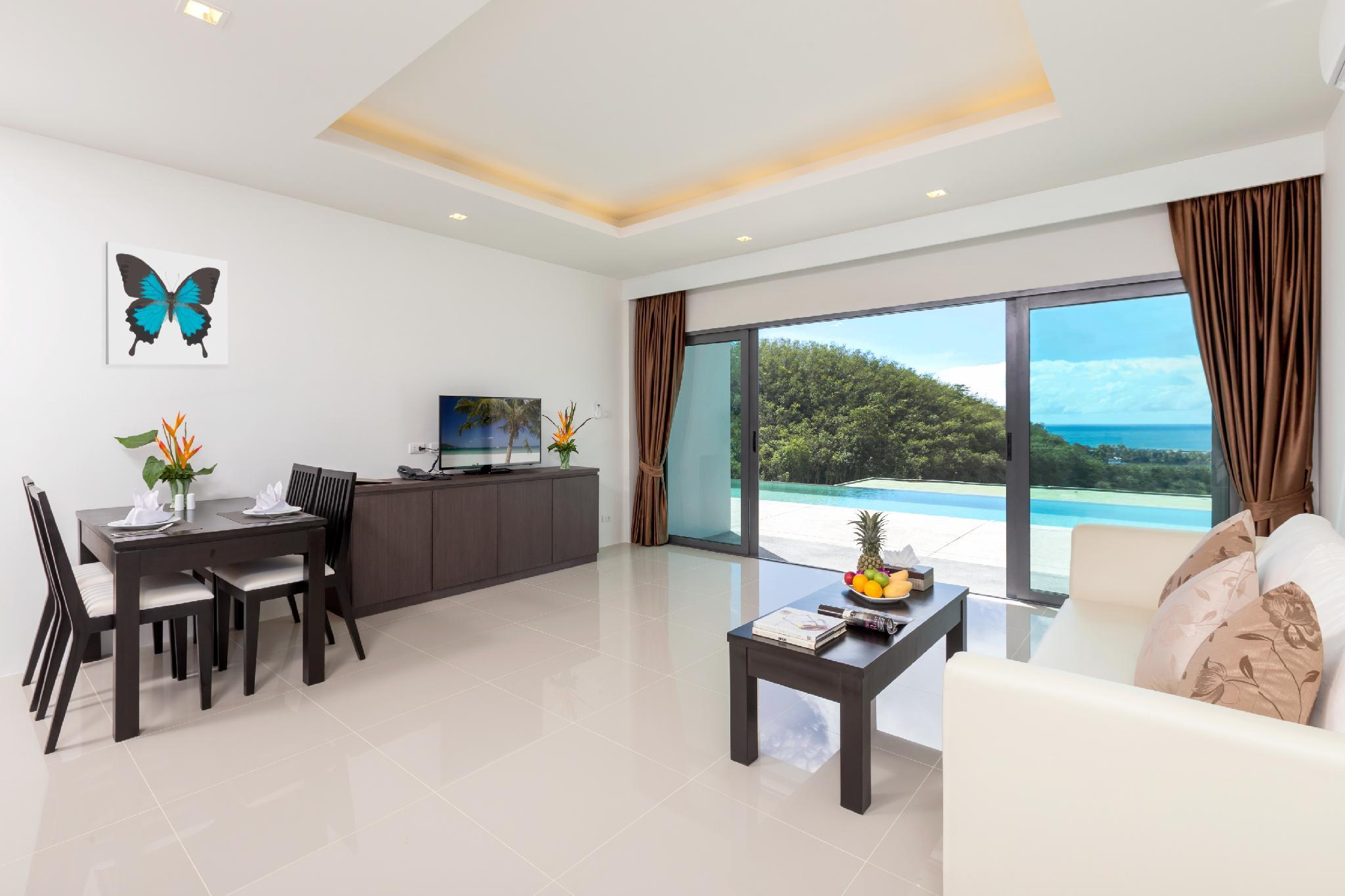 Sea View Suite with Pool Access