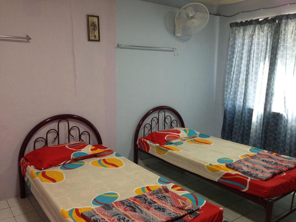 Twin Bed Room - Bed Ganang Village Rest House