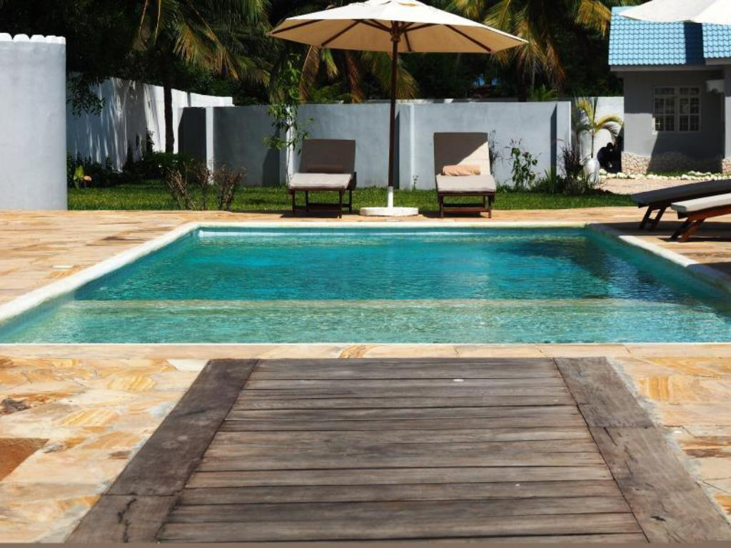 Piscina Zanzibar Grand Beach Villa