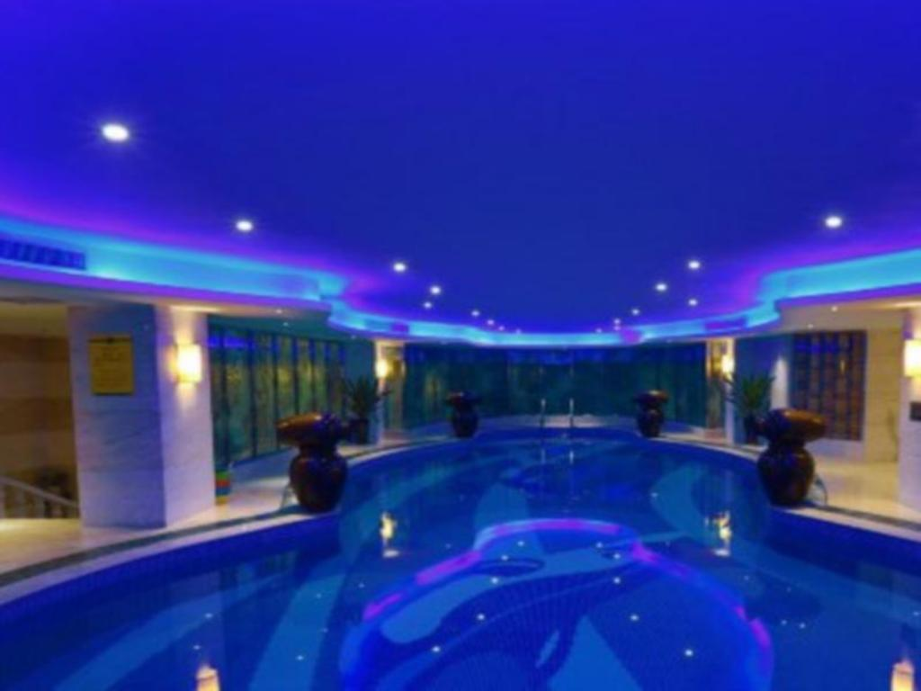 Swimmingpool Luoyang Ling Hang International Hotel