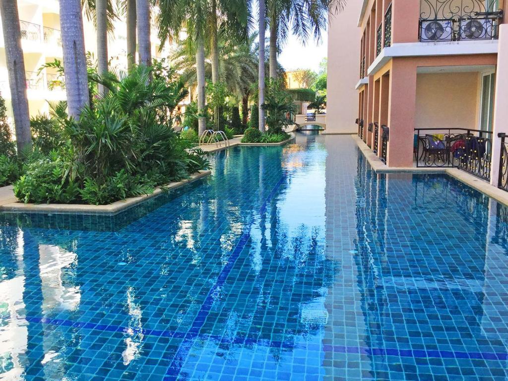 Swimming pool Paradise Park Jomtien by Pattaya Sunny Rentals