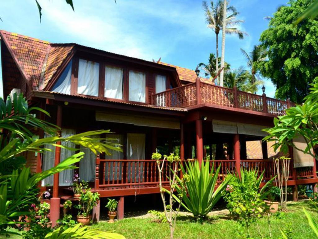 Green Coconut 3 Bedroom Sea Breeze Villa B3