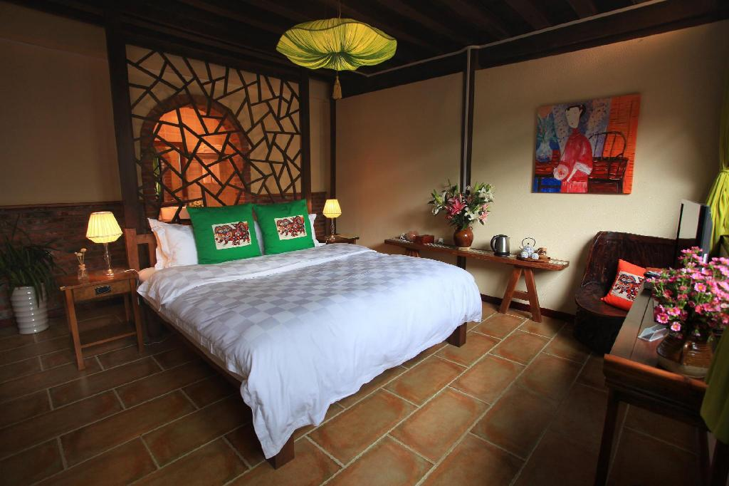 King Size Chinese Style με King Size Κρεβάτι Lijiang Dawn Song Small Luxury Hotel