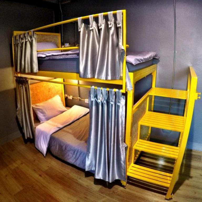 4 Bunk Beds (Female) Cubic Bangkok Hostel