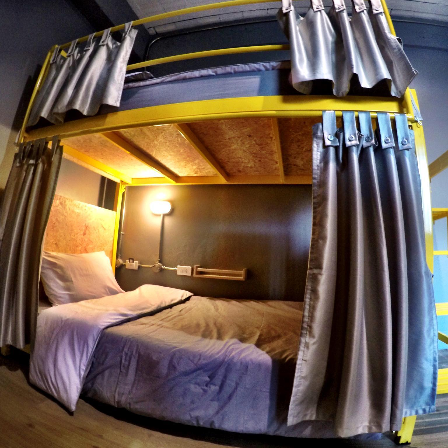 6 Bunk Bed in Female Dormitory Room