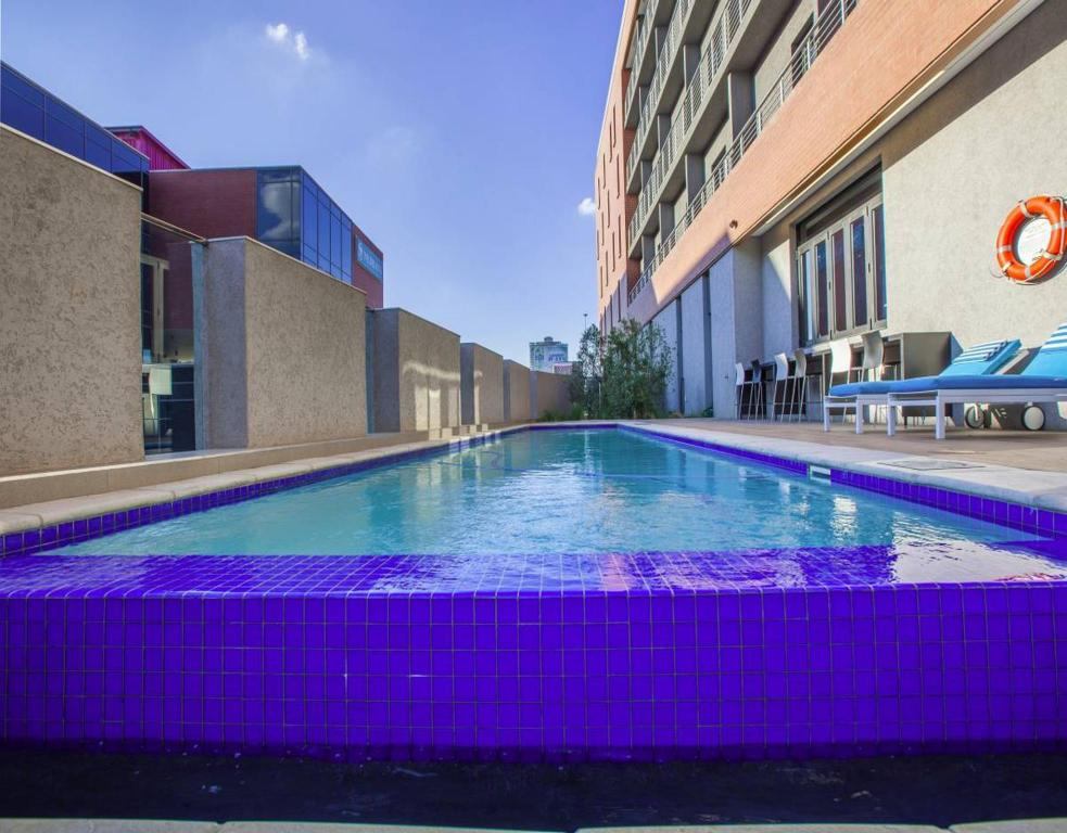 Deals on city lodge hotel newtown johannesburg in south africa promotional room prices for Public swimming pools in johannesburg