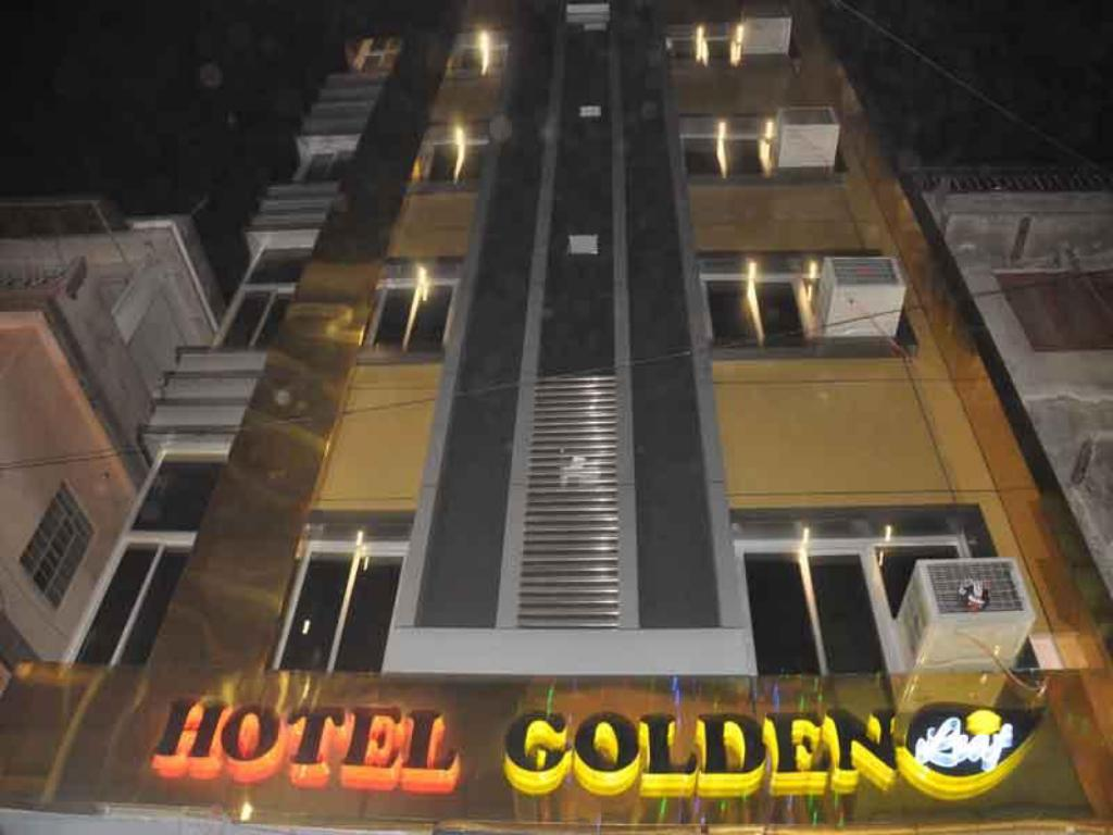 Vista Hotel Golden Leaf
