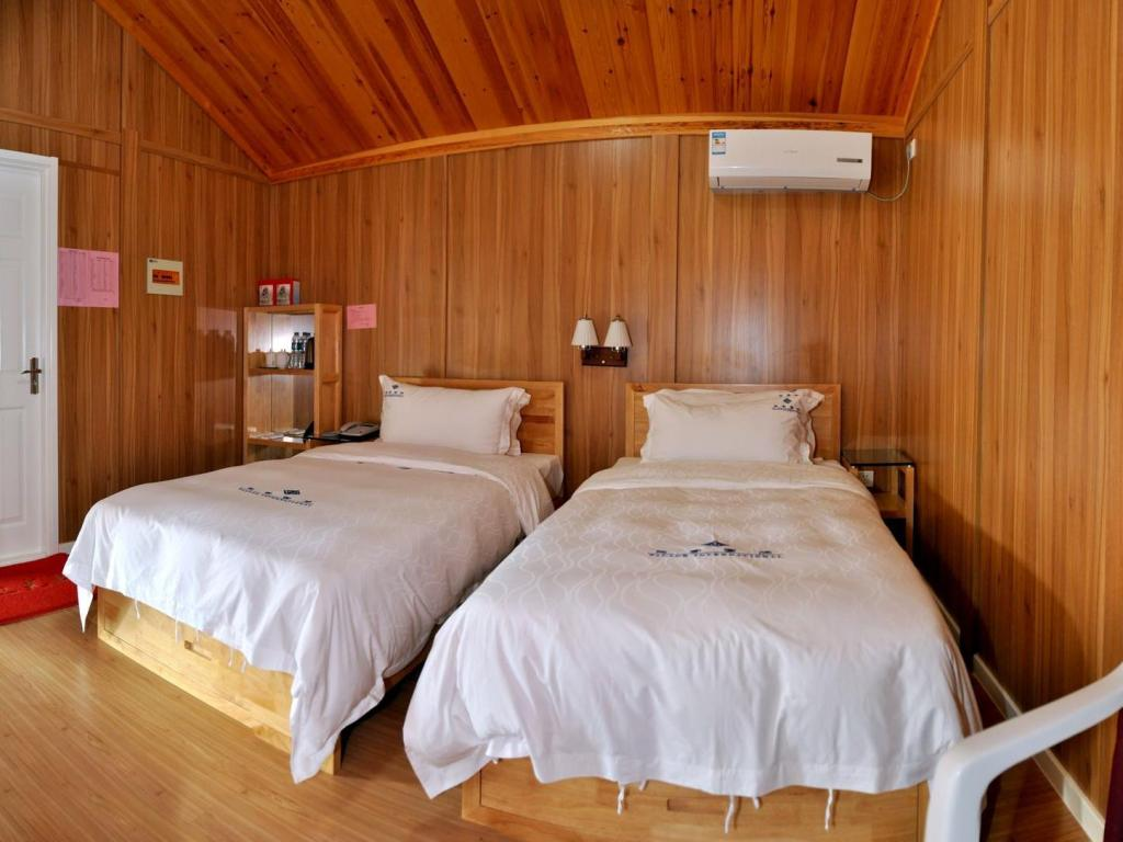 Wooden House (Twin Bed)