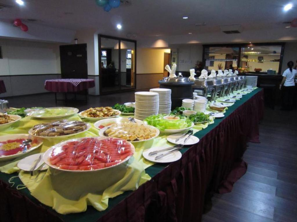 Food and beverages Regal Court Hotel Kuching