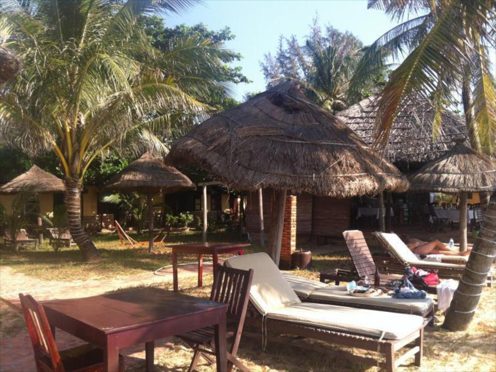 Пляж The Beach Club Phu Quoc Resort