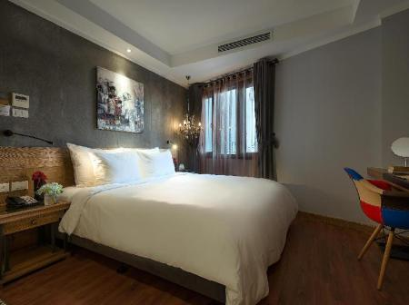 Trendy Deluxe Double or Twin Room - Bed Hanoi La Siesta Hotel Trendy