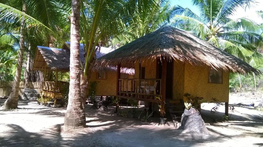 Budget Double or Twin Room Bayog Beach Campsite