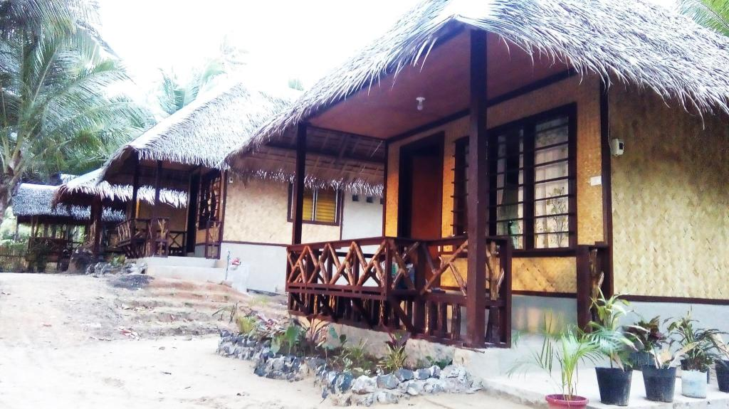 More about Bayog Beach Campsite