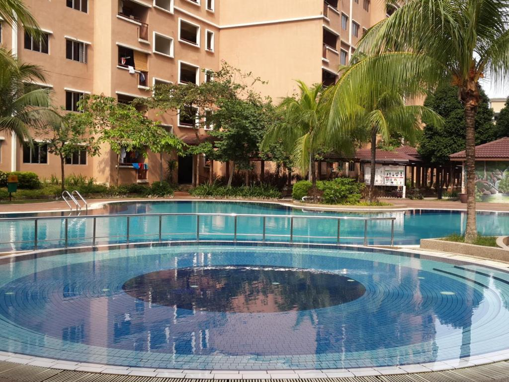 Best price on kuala lumpur holiday home 2 in kuala lumpur - Best hotel swimming pool in kuala lumpur ...